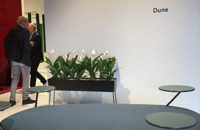 """Bei Offecct: Kommunikationsmöbel """"Dune"""" von Front."""